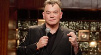 One man stood in front of 1500 people armed with nothing but a microphone, yet there was not even a sense of fragility or nervousness; Stewart Lee displayed a complete […]