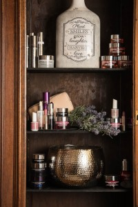 Ye Olde Bell Spa - Cabinet