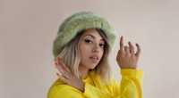 "Share this content.... Premiered by Noisey earlier today, British songstress Mahalia has unveiled her brand new single ""Hold On"" featuring Compton rapper Buddy. Produced by Nana Rogues (Drake) and Jay […]"