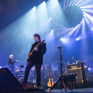 Steve Hackett with Orchestra Photo by Armando Gallo hi res