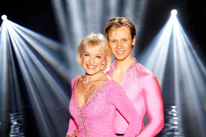 Share this content.... MARK HANRETTY AND ROSEMARY CONLEY TO VISIT AND PERFORM AT UNLIMITED WELLBEING FESTIVAL THIS MAY   ONE of Dancing on Ice's most memorable pairings will perform […]