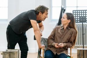 Robert Lindsay (Jack) and Tara Fitzgerald (Nicola)_Prism in  rehearsals_c Manuel Harlan